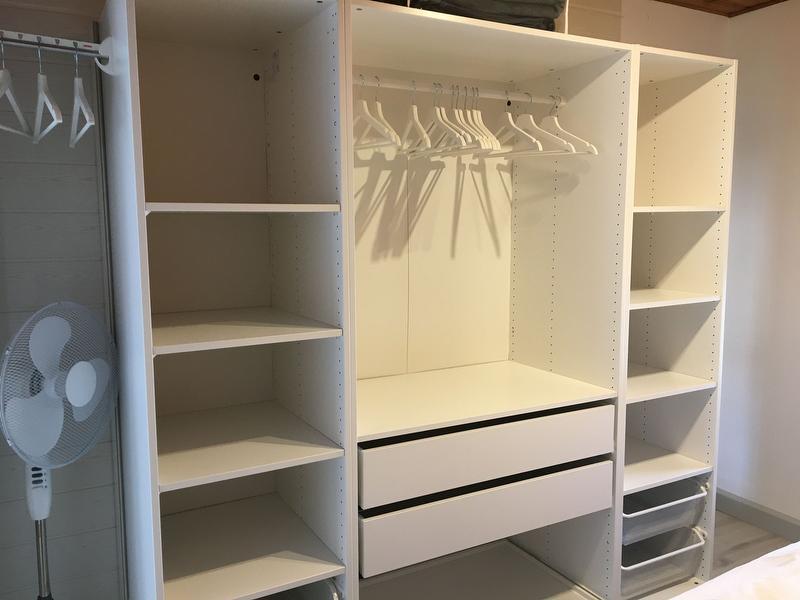 Kleiderschrank Schlafzimmer 1