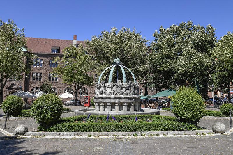 Krautkopfbrunnen am Gutenbergplatz / Urheber: KTG / Rechteinhaber: © KTG