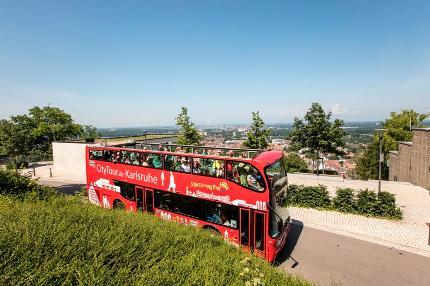 Stadtrundfahrt mit dem roten Doppeldeckerbus