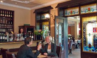 Die gemütliche Bar des Hotels