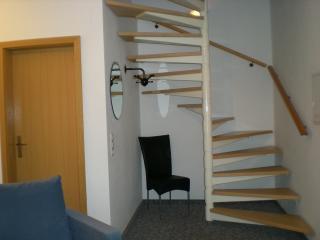 Wendeltreppe und Garderobe
