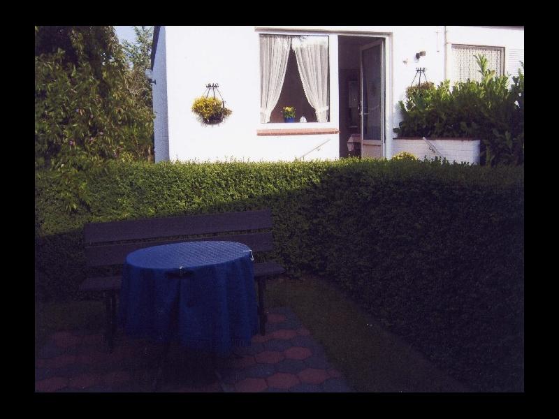 Garten- und Hausansicht