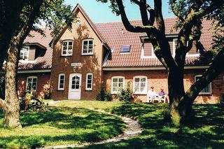 Pension Friesenhof mit Bauerngarten