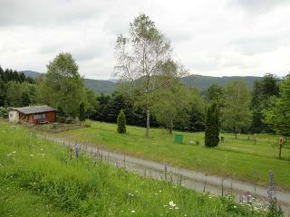 Blick über die Terrassen des Campingplatzes