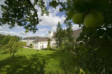 Ferienwohnung Tagungshaus im Kloster St. Josef (Neumarkt i.d. Oberpfalz). Doppelzimmer Komfort (1701199), Neumarkt, Bayerischer Jura, Bayern, Deutschland, Bild 2