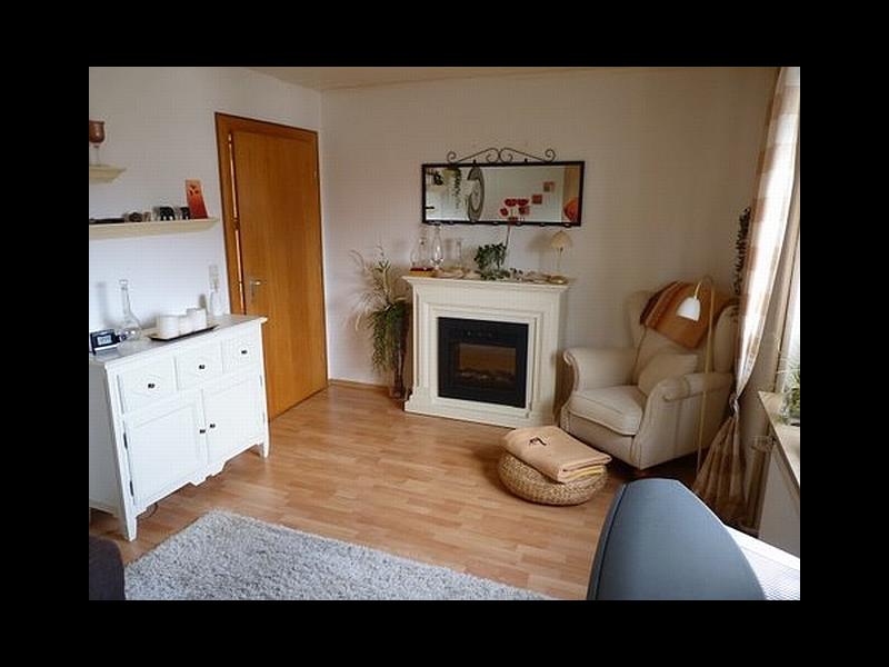 Wohnzimmer mit elektrischem Kamin