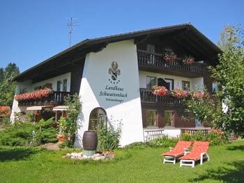 Landhaus in sonniger Einzellage am Waldesrand mit traumhaften Blick auf den Forggensee und die Alpen