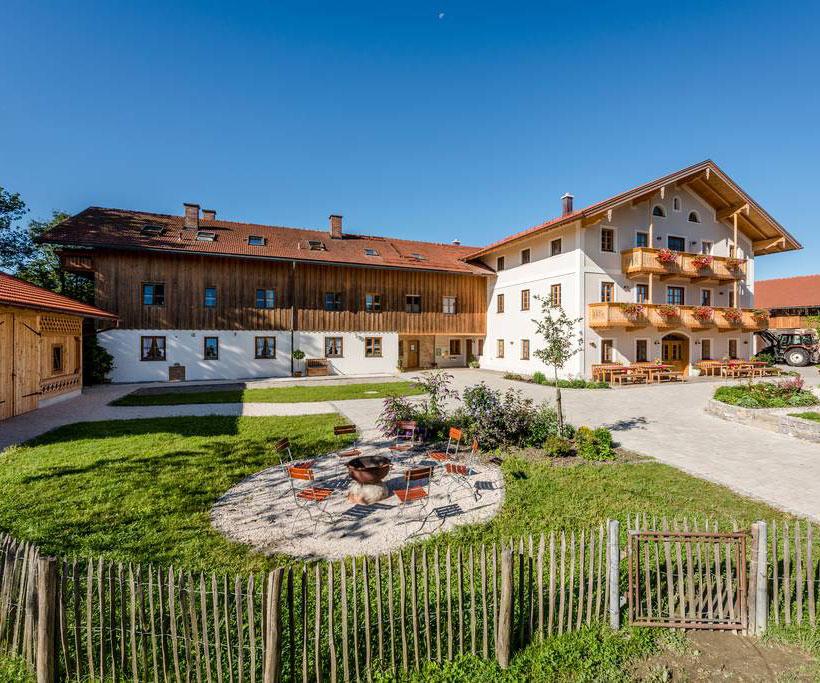 Neu erbaut und doch ganz traditionell! 6 neue 5*-Luxus-Ferienwohnungen, Frühstücksbuffet, Hofladen..