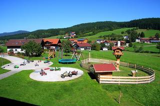 Ein Paradies für Kinder / Rechteinhaber: © Familienferienhof Wenighof