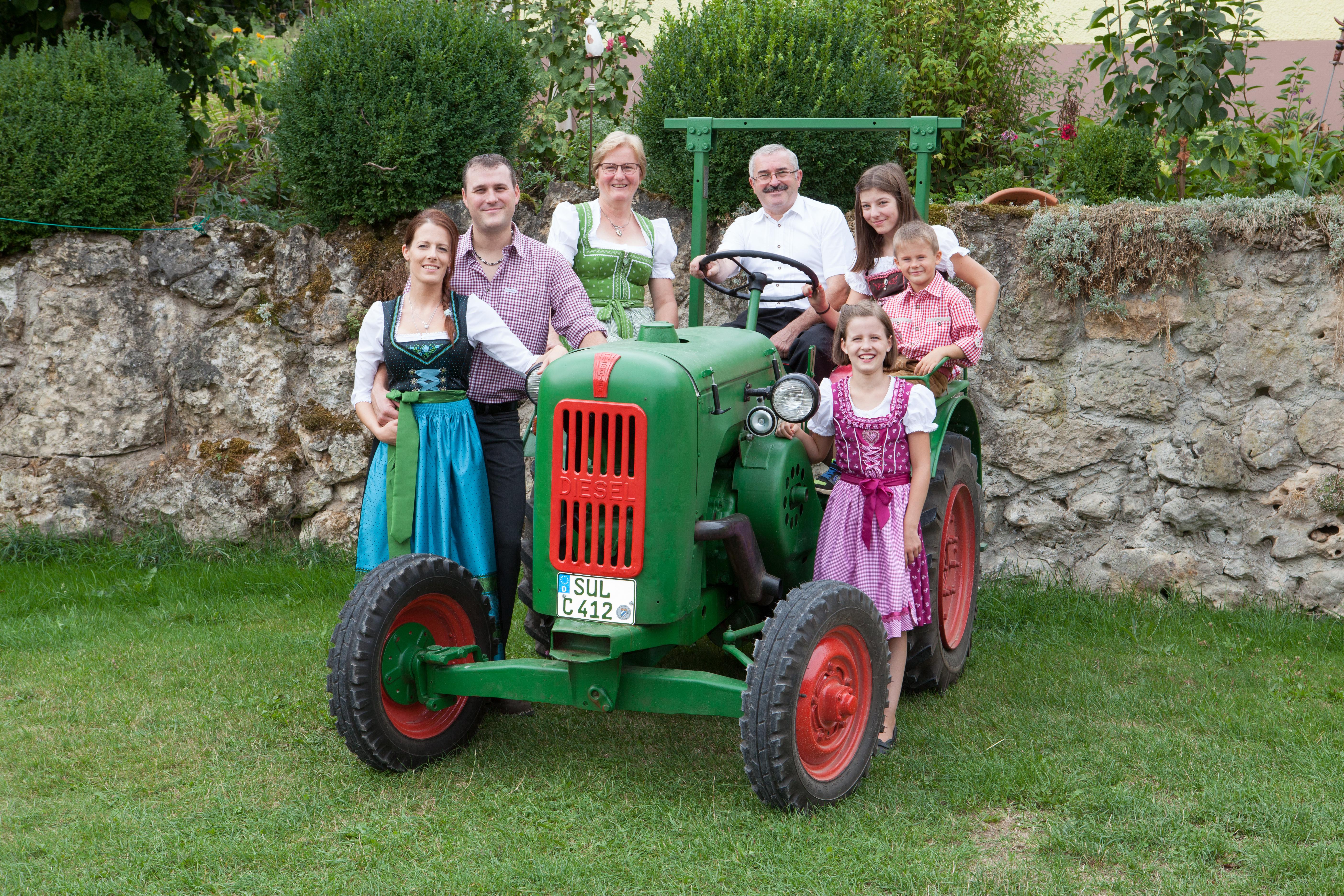 Wir, die Familie Wagner begrüßen Sie auf unserem Resnhof
