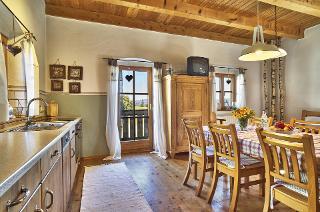 gemütliche Wohnküche mit Blick zum Rannasee