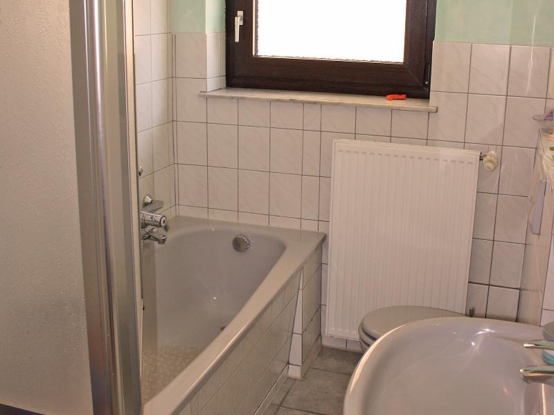 Badezimmer - Ferienwohnung Balko Arnsberg / Urheber: Ferienwohnung Arnsberg / Rechteinhaber: © Markus und Marion Balko