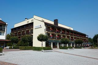 Willkommen in der Hotelklinik Bad Gögging / Rechteinhaber: © Passauer Wolf Hotelklinik Bad Gögging - Passauer Wolf Hotelklinik Bad Gögging Hausansicht