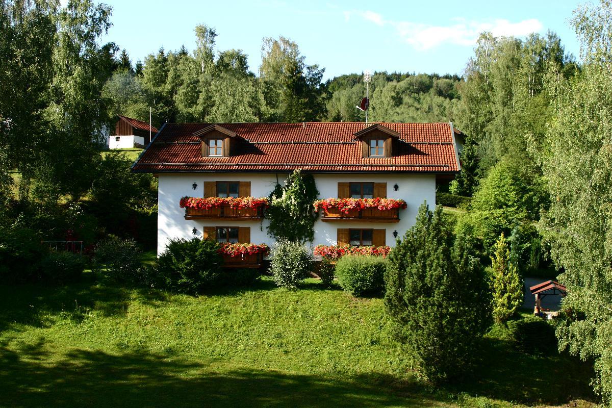 FW Haus Wildschütz (Frauenau). Wohnung Nr. 2  Ferienhaus im Bayerischer Wald