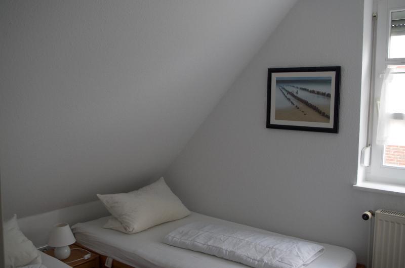Schlafzimmer 2: 2 Betten zu je 90X190