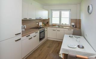 Einbauküche mit kl. Essplatz im Erdgeschoss, FH Ingwersen