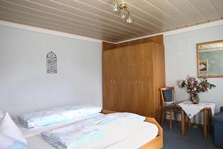 23 Schlafzimmer