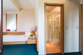 Einzelzimmer mit WC und Dusche