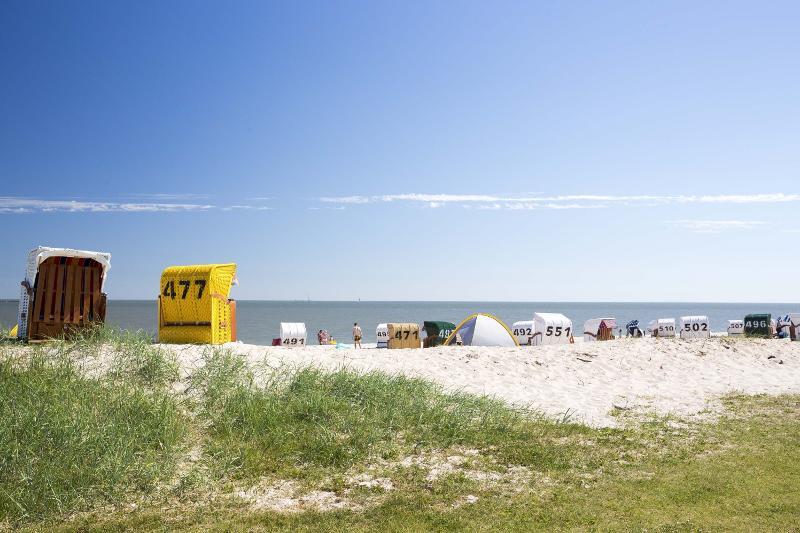 Strandkorb am strand  Strandkorb Hooksiel FKK-Strand | Wangerland Erlebnisangebote