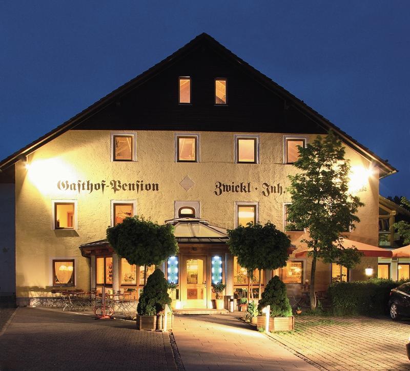 Landgasthof-Hotel Zwickl Außenansicht