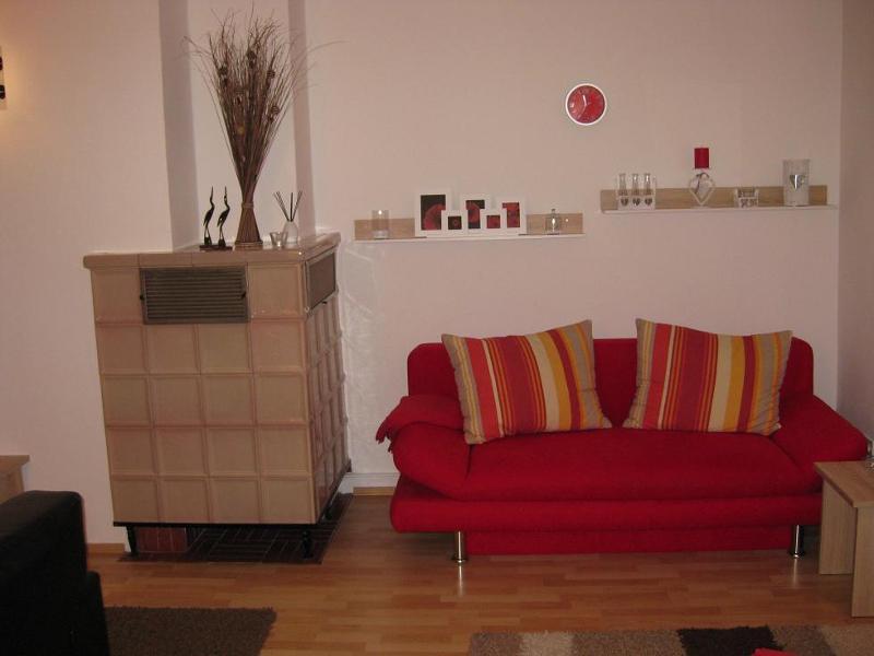 Wohnzimmer mit Schlafsofa 2