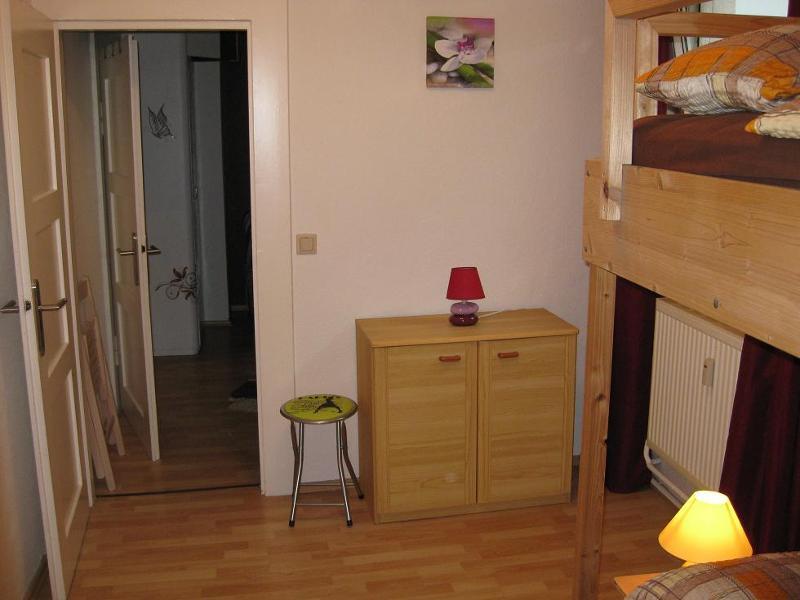 Schlafzimmer 3 mit Blick in Schlafzimmer 2