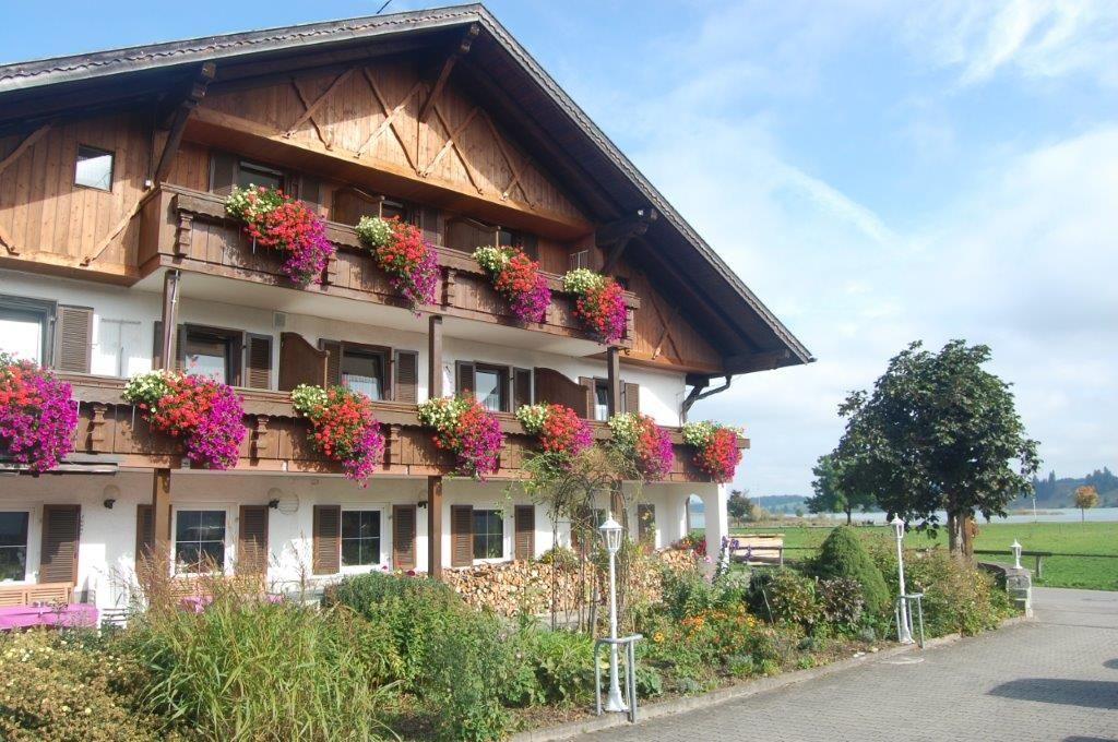 Gästehaus Stefanie (Schwangau-Brunnen). Dreib