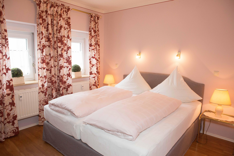 Ferienwohnung Gästehaus Pfeiffer (Bad Mergentheim). Ferienwohnung 2 (50 qm) mit Südbalkon, kostenfreies  (2661056), Bad Mergentheim, Taubertal, Baden-Württemberg, Deutschland, Bild 9