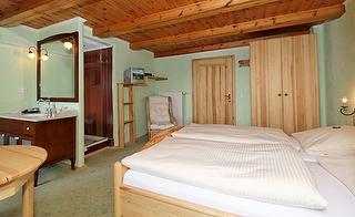 Zimmer 4 Holz