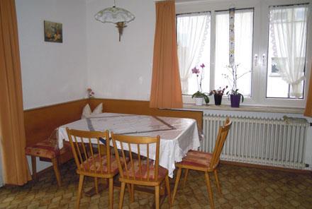 Ferienwohnung Bed & Breakfast Karu (Hohenems). Dreibettzimmer (2401707), Hohenems, Dornbirn, Vorarlberg, Österreich, Bild 2