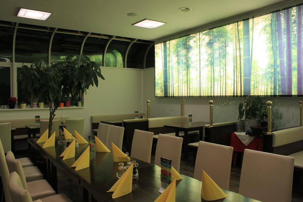 Appartement de vacances B&B - Restaurant TSINGDAO (Hörbranz). Doppelzimmer (2437460), Hörbranz, Bregenz, Vorarlberg, Autriche, image 2