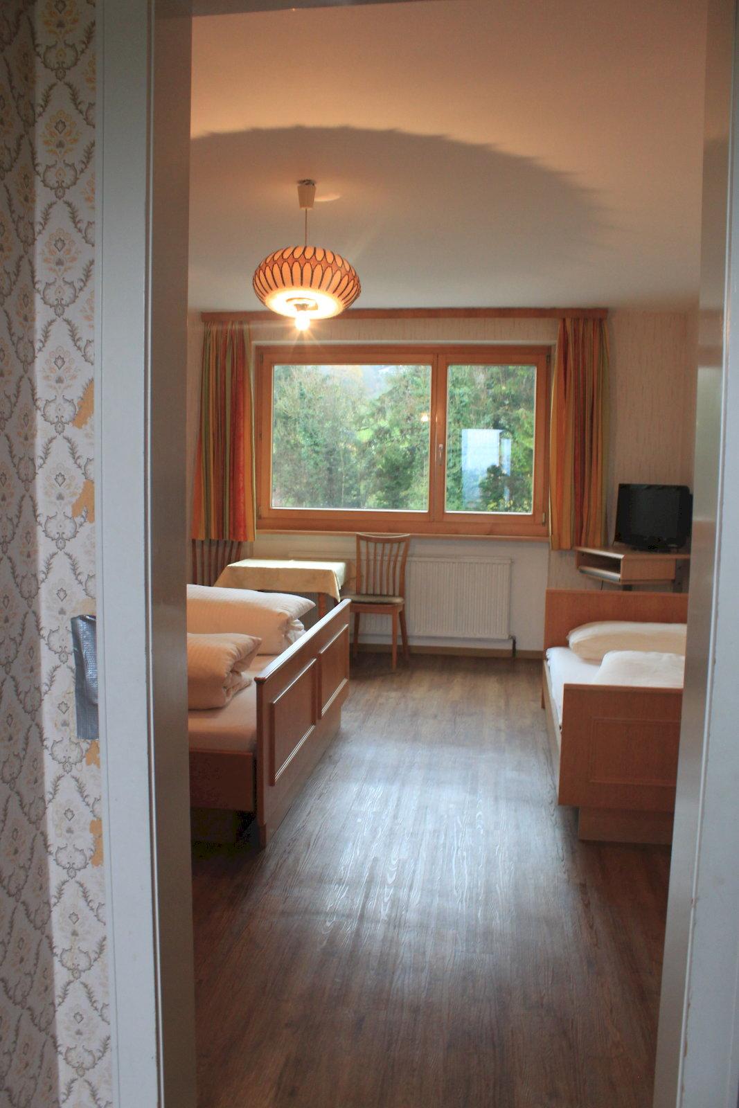 Appartement de vacances B&B - Restaurant TSINGDAO (Hörbranz). Dreibettzimmer (2437459), Hörbranz, Bregenz, Vorarlberg, Autriche, image 9