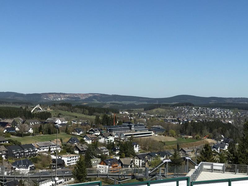 Ausblick über Winterberg von der Panoramabrücke