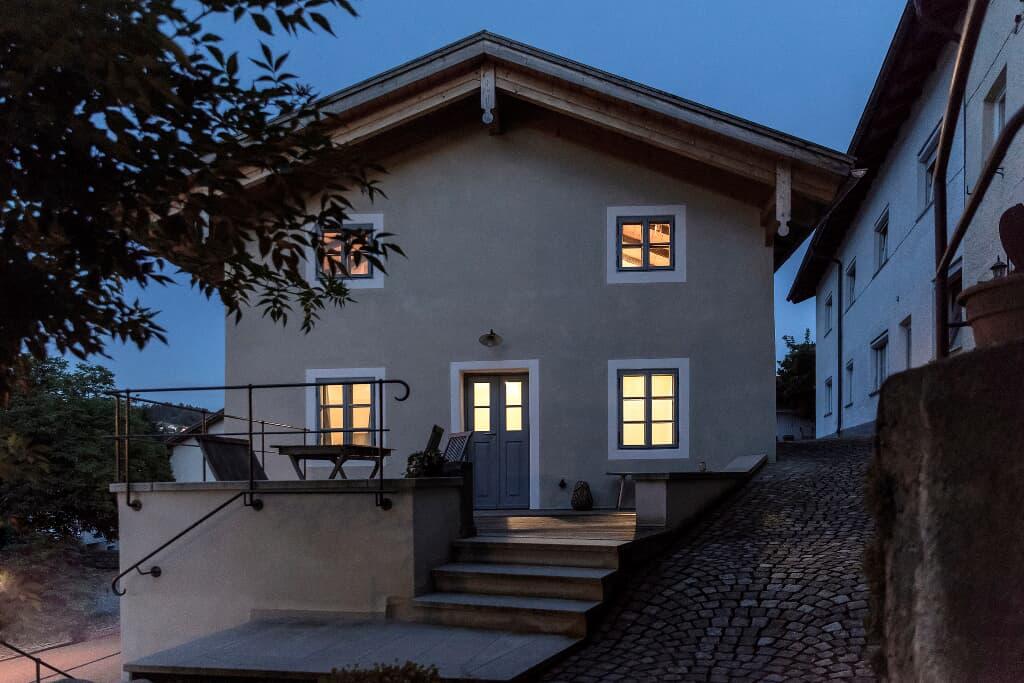 Schlosserhaus Lam (Lam). Historisches Schlosserhau Ferienwohnung