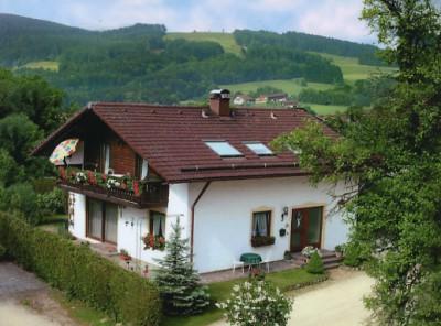 Haus Steinbrecher (DE Anger). Ferienwohnung 75 qm, 1 oder 2 ...
