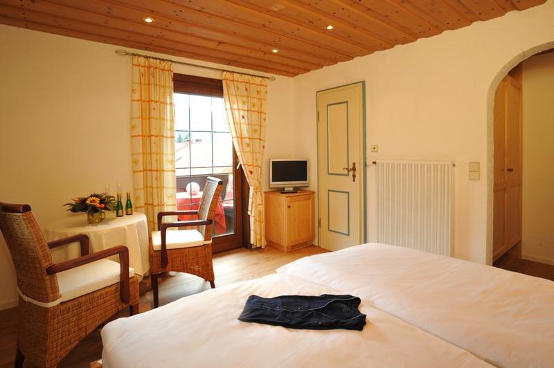 Holiday apartment Gästehaus Klara (DE Reit im Winkl). (1) Zwei-Raum-Ferienwohnung  42qm (1029688), Reit im Winkl, Chiemgau, Bavaria, Germany, picture 4