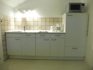 Küchenzeile mit Geschirrspüler u.Mikrowelle