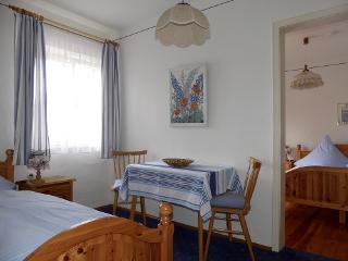 Dreibettzimmer mit Etagend. und Balkon 2