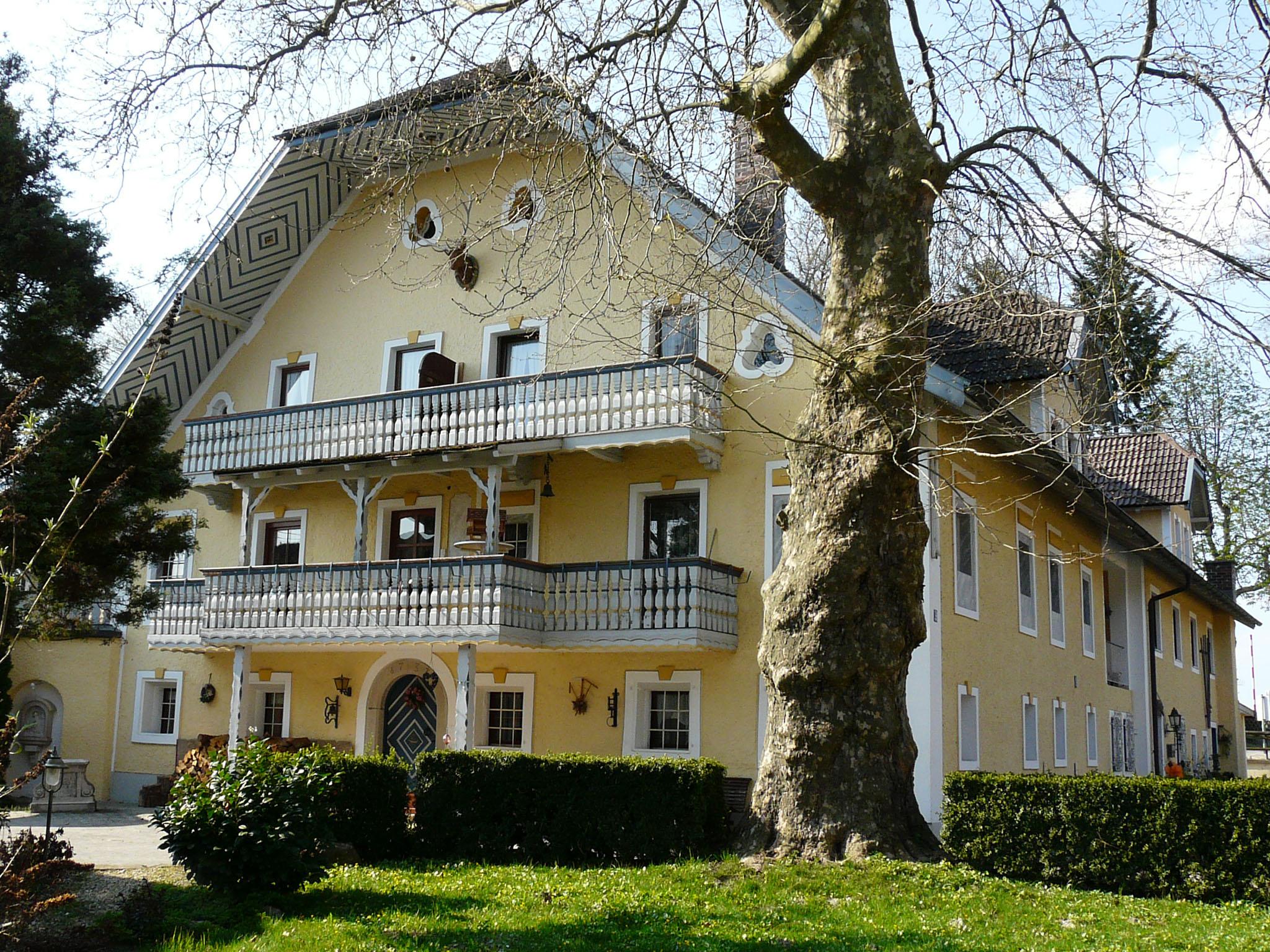 Pension Gut Horn (DE Waging). Ferienwohnung Nr. 5  Ferienwohnung  Oberbayern