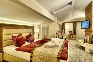 Suite-Magenta.jpg