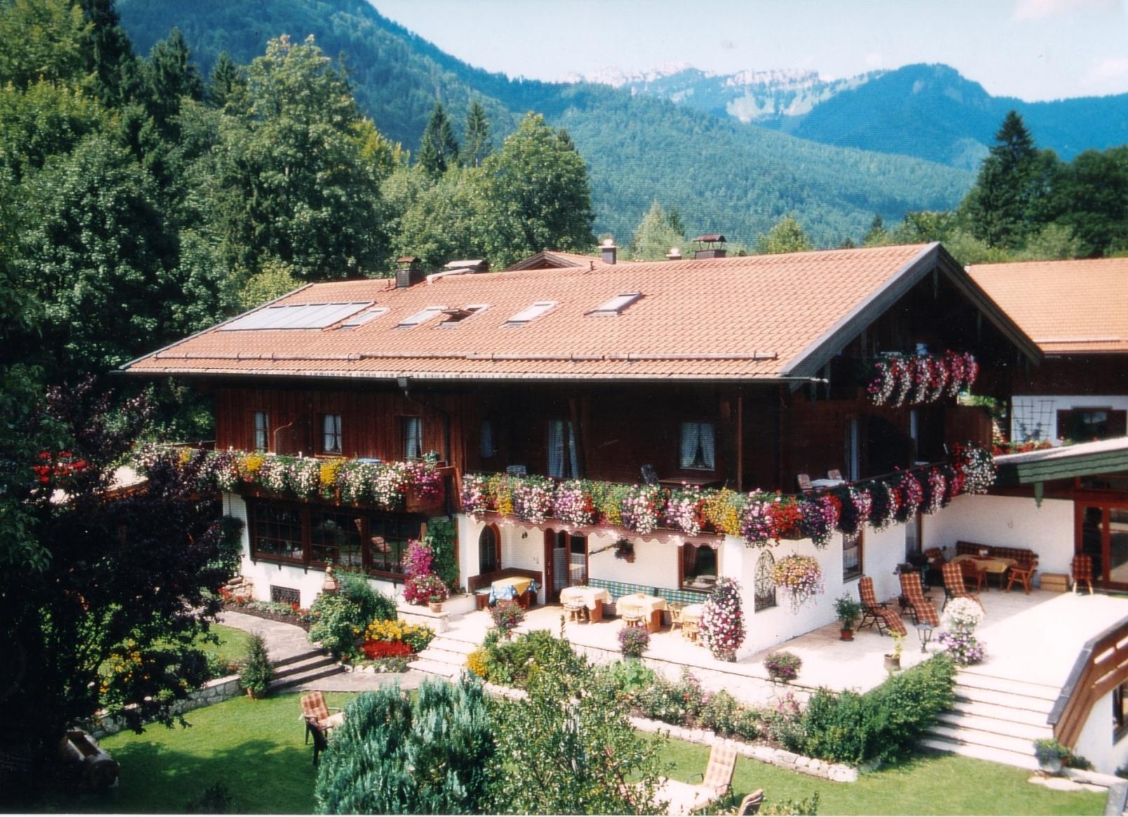 Ferienwohnung Gästehaus Hächer (DE Schleching). Ferienwohnung Nr. 3 bis 2 Pers., 32 qm Studio Rudersburg (711547), Schleching, Chiemgau, Bayern, Deutschland, Bild 1