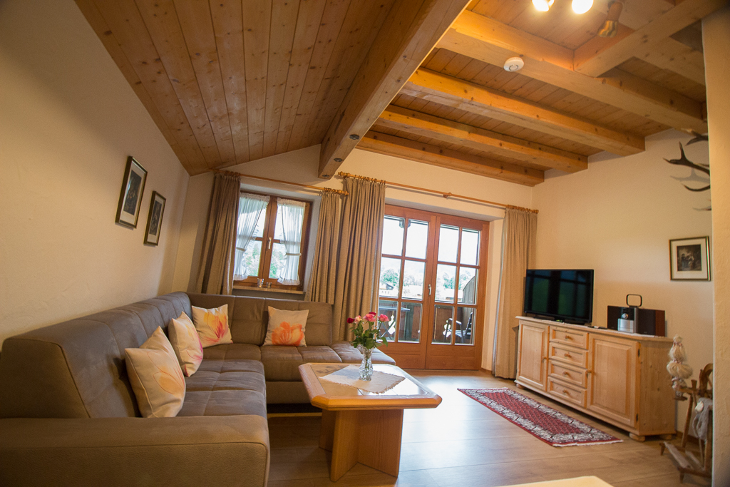 ferienwohnungen beim zellerb ck de ruhpolding. Black Bedroom Furniture Sets. Home Design Ideas