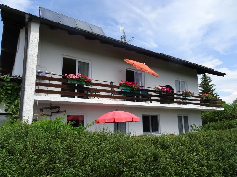 Ferienwohnung Haus Strobl (DE Gstadt am Chiemsee). Wohnung 1a, Erdgeschoss 47 qm - Terrasse - Südseite (711641), Gstadt, Chiemsee, Bayern, Deutschland, Bild 1