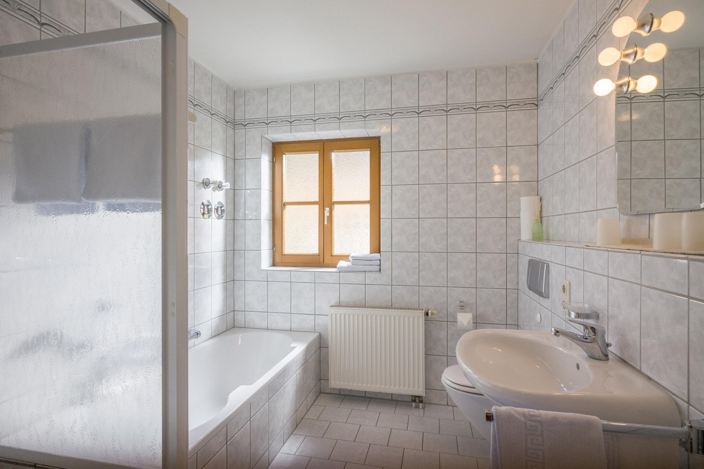 Ferienwohnung Christophenhof (DE Oberaudorf). 3-Zimmer Ferienwohnung Terrasse 1 (710004), Oberaudorf, Chiemgau, Bayern, Deutschland, Bild 9