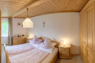 Schlafzimmer - Ferienwohnung Apfelbaum