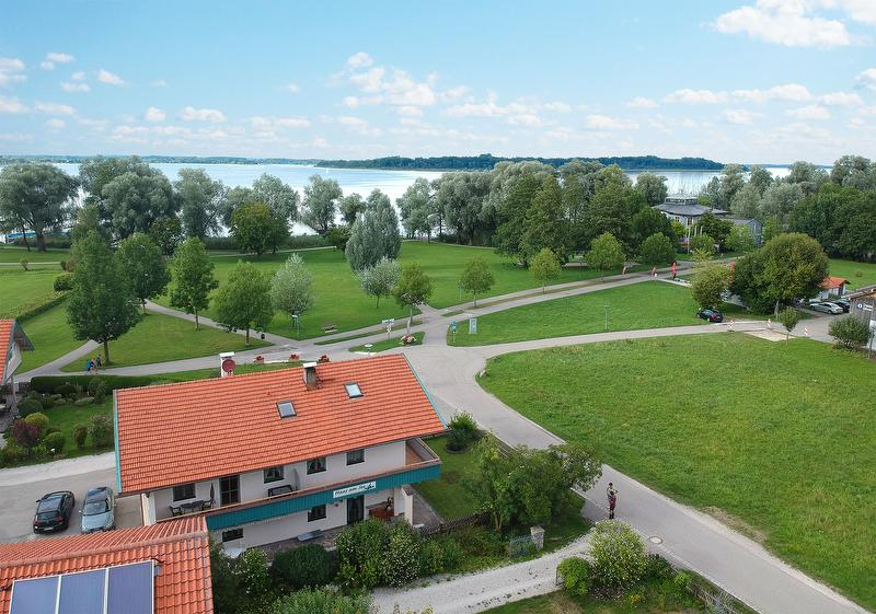 Ferienwohnungen Haus Am See Bernau Am Chiemsee Chiemsee Alpenland Unterkunfte