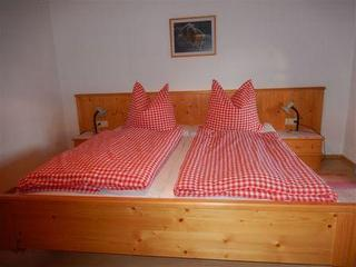 """Doppelbett in der Ferienwohnung """"Wendelstein"""" / Urheber: Nagl / Rechteinhaber: © Nagl"""