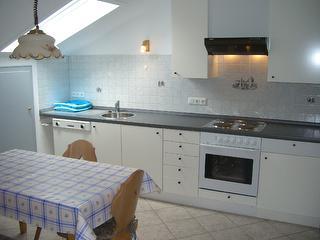 Schonne Küche mit Spülmaschine