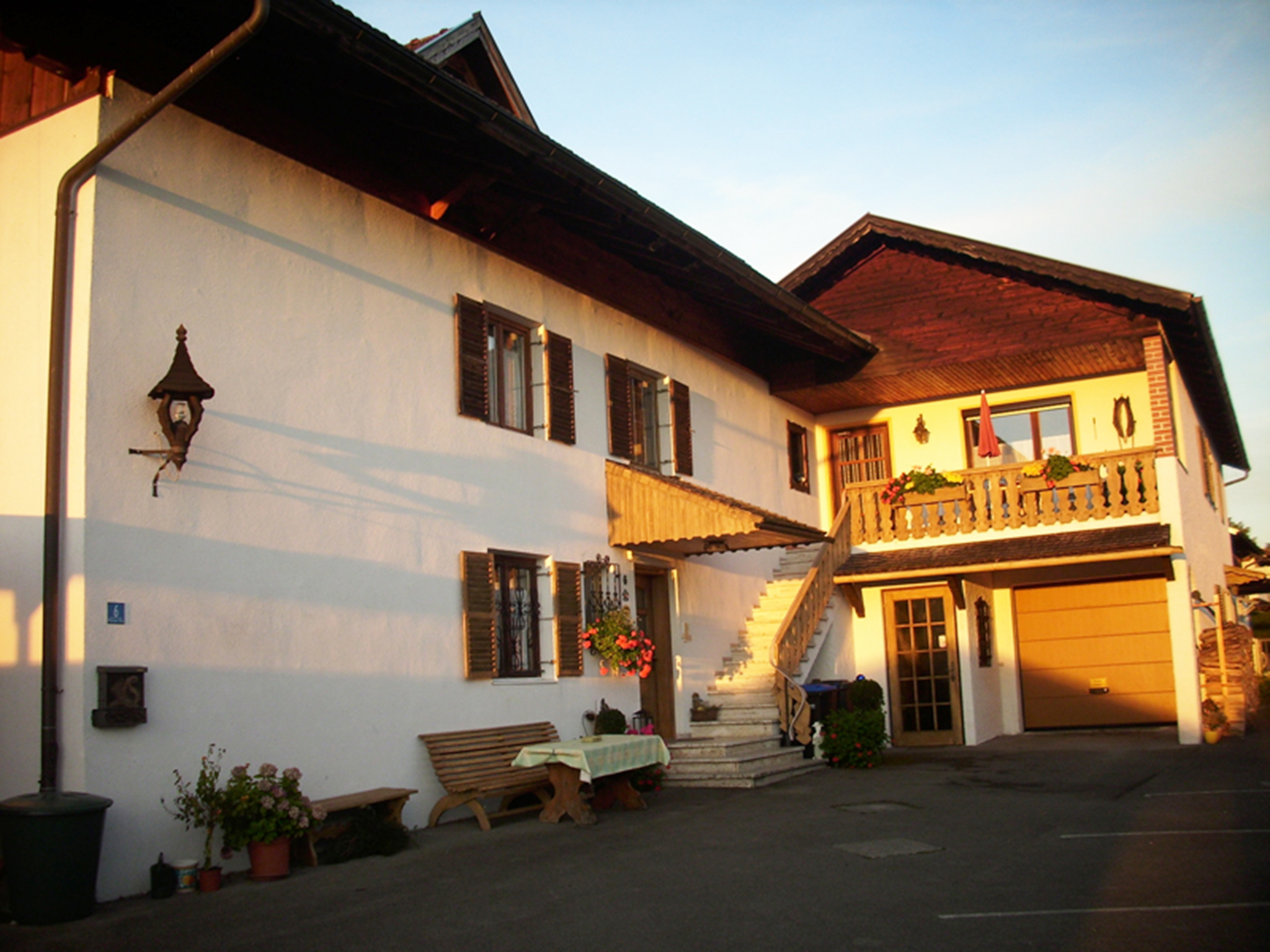 Gästehaus zur Brücke (DE Waging). Ferien Ferienwohnung  Oberbayern