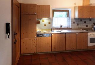Einbauküche mit Spülmaschine der Ferienwohnung Baumgartner